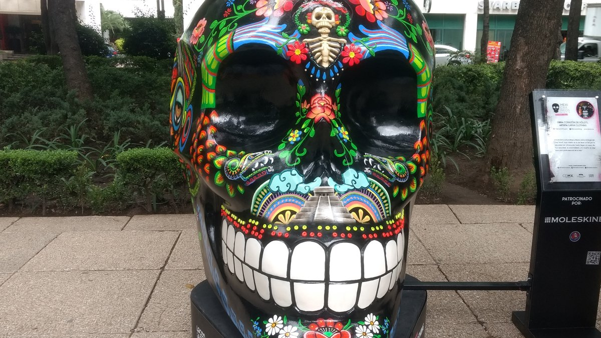 De paseo en la exposición Mexicráneos 2018